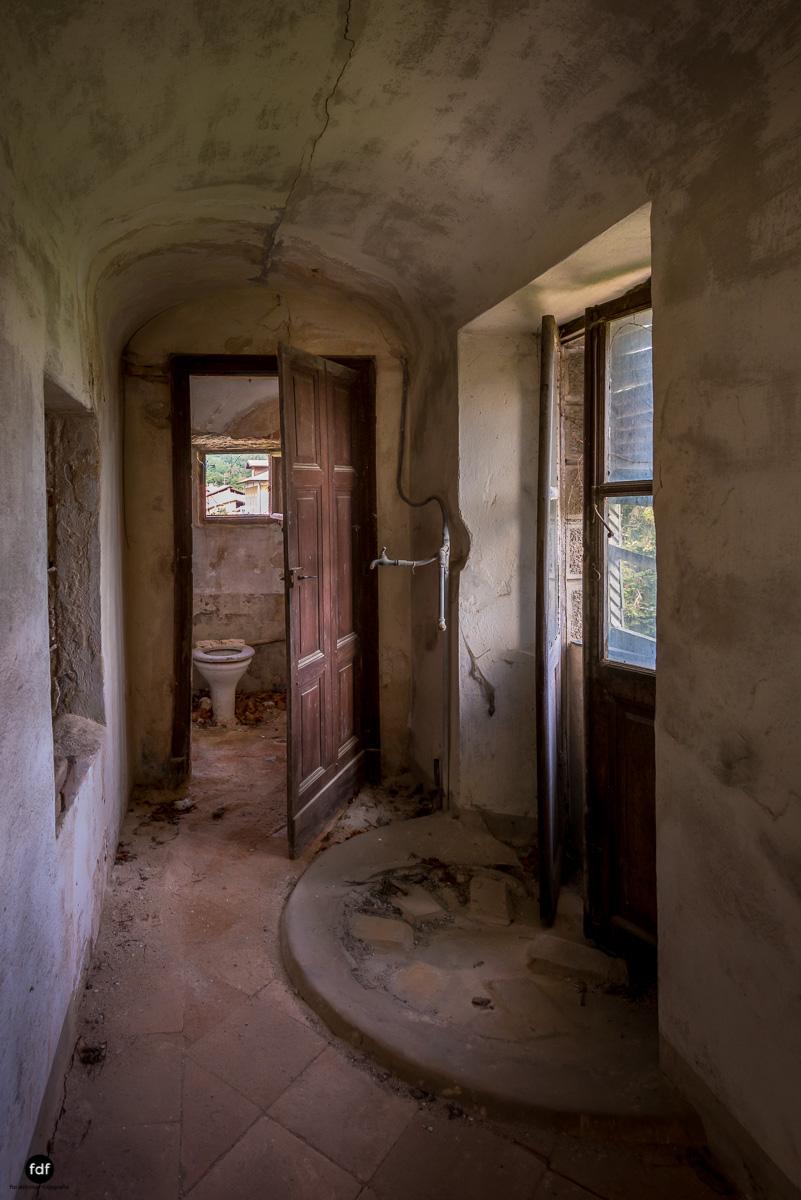 Oriental Gem-Herrenhaus-Lost Place-Italien-30.JPG
