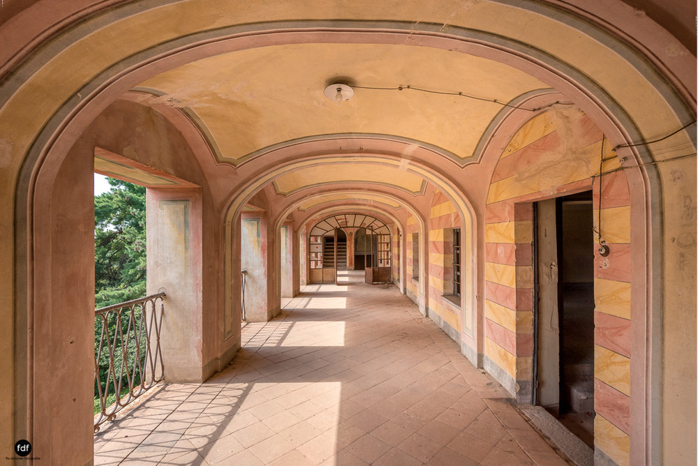 Oriental Gem-Herrenhaus-Lost Place-Italien-29-Bearbeitet.JPG