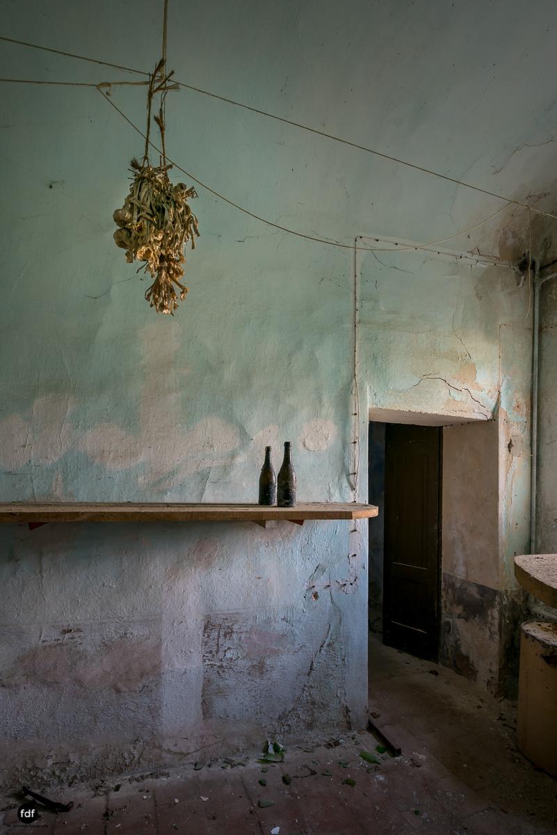 Oriental Gem-Herrenhaus-Lost Place-Italien-34.JPG