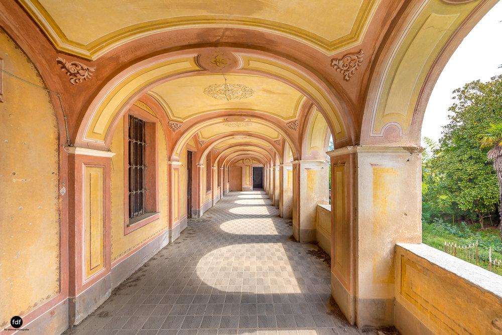 Oriental Gem-Herrenhaus-Lost Place-Italien-32.JPG