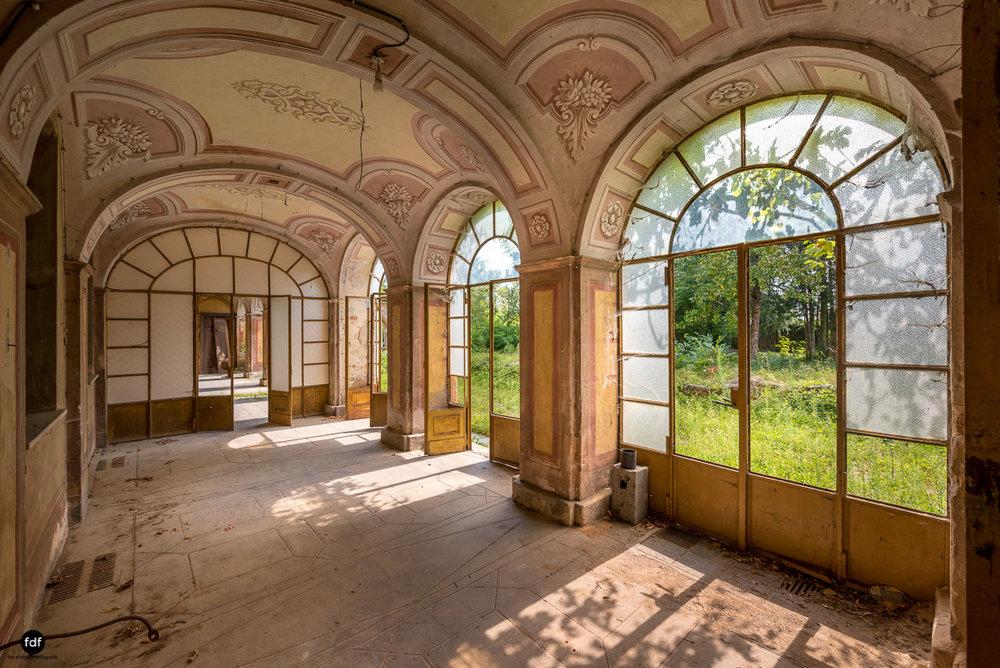 Oriental Gem-Herrenhaus-Lost Place-Italien-42-Bearbeitet.JPG