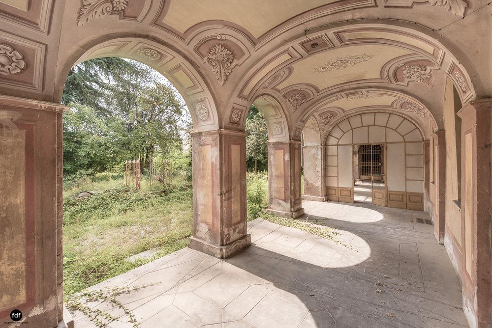 Oriental Gem-Herrenhaus-Lost Place-Italien-48.JPG