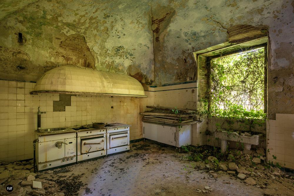Villa Grazia-Herrenhaus-Kapelle-Lost Place-Italien-9.JPG
