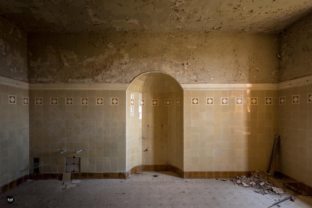 Villa Grazia-Herrenhaus-Kapelle-Lost Place-Italien-17.JPG
