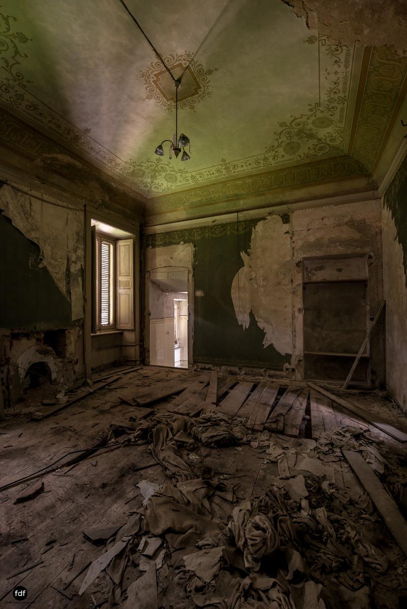 Villa Grazia-Herrenhaus-Kapelle-Lost Place-Italien-26.JPG