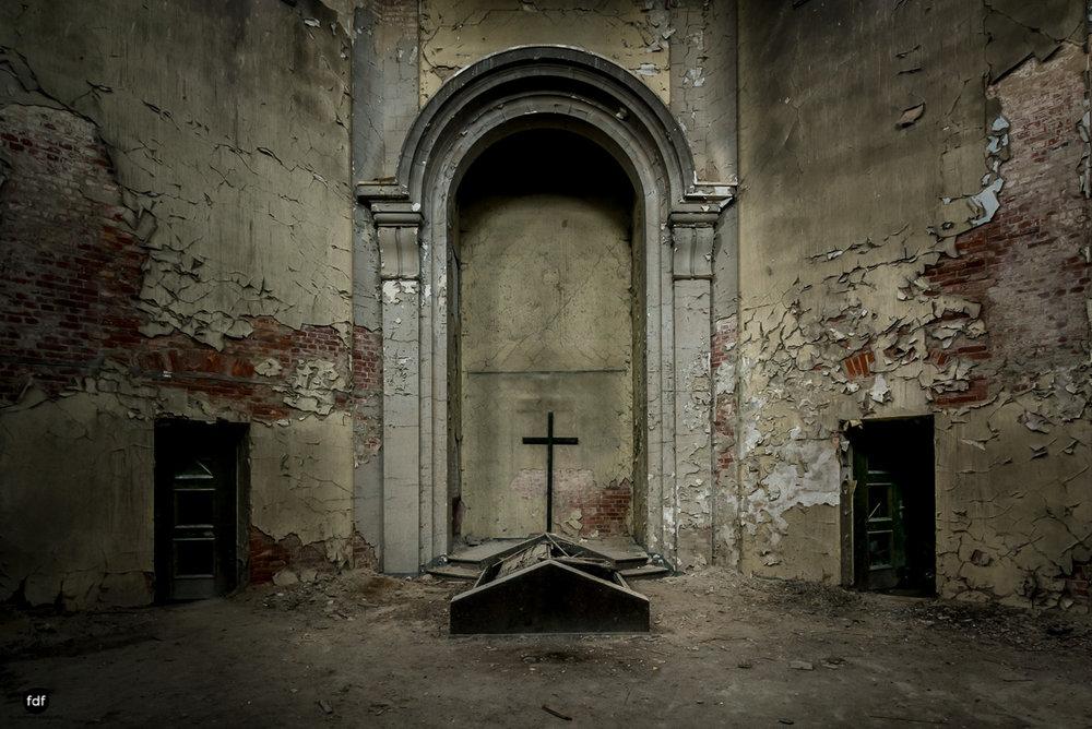 Krematorium D-Friedhof-Lost-Place-14.JPG