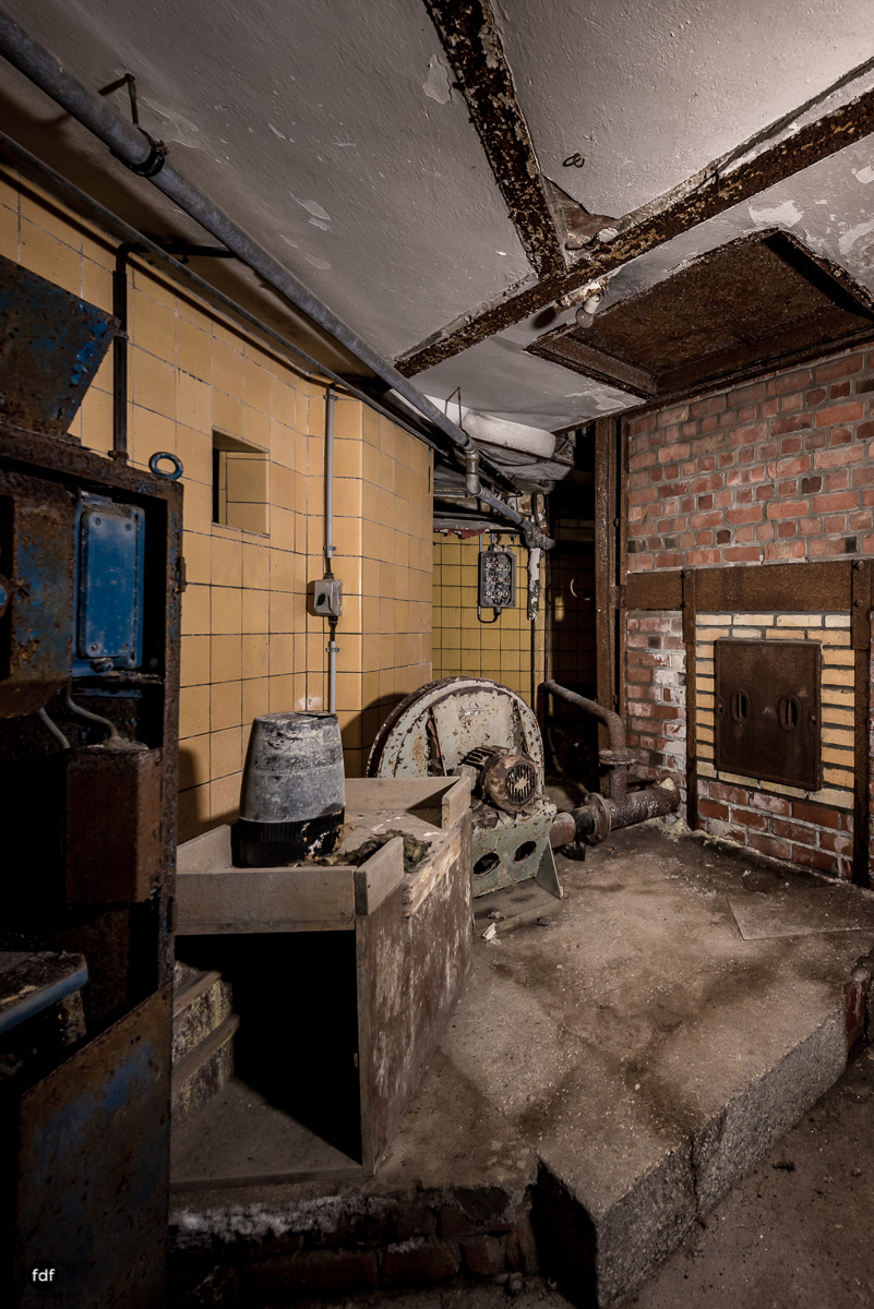 Krematorium D-Friedhof-Lost-Place-35.JPG