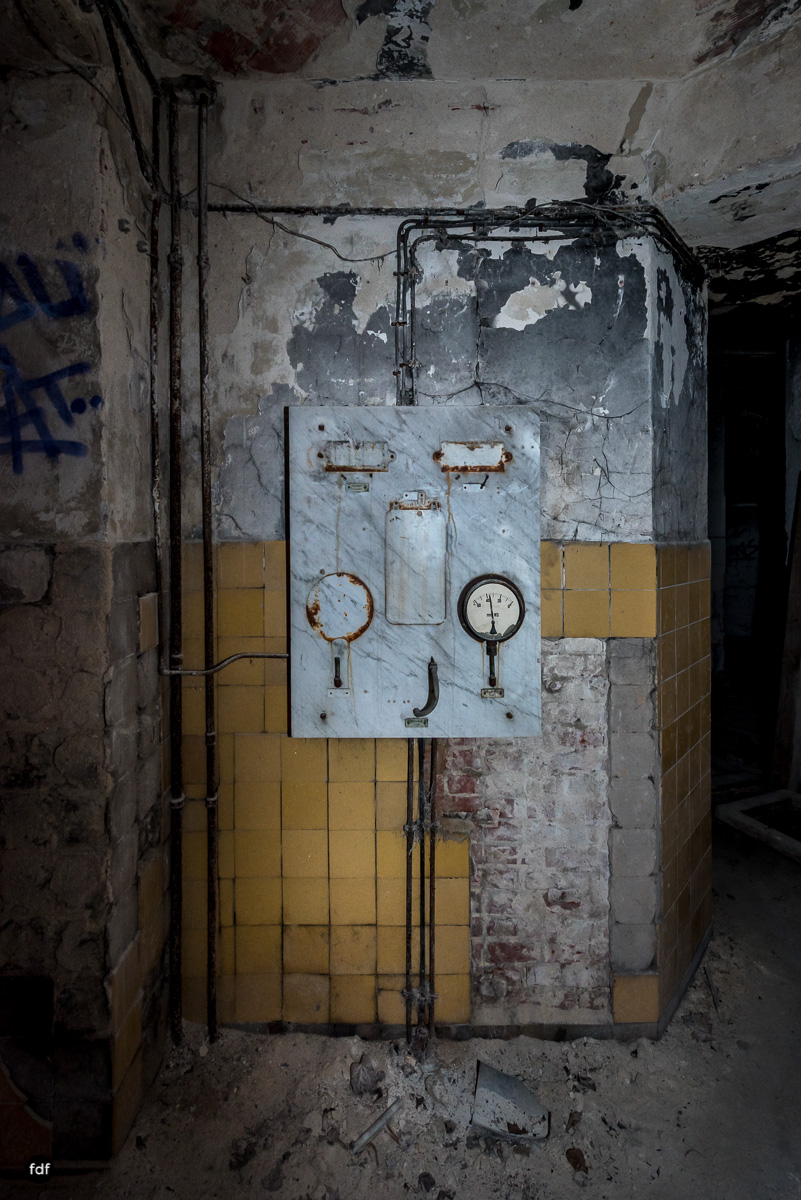 Krematorium D-Friedhof-Lost-Place-41.JPG