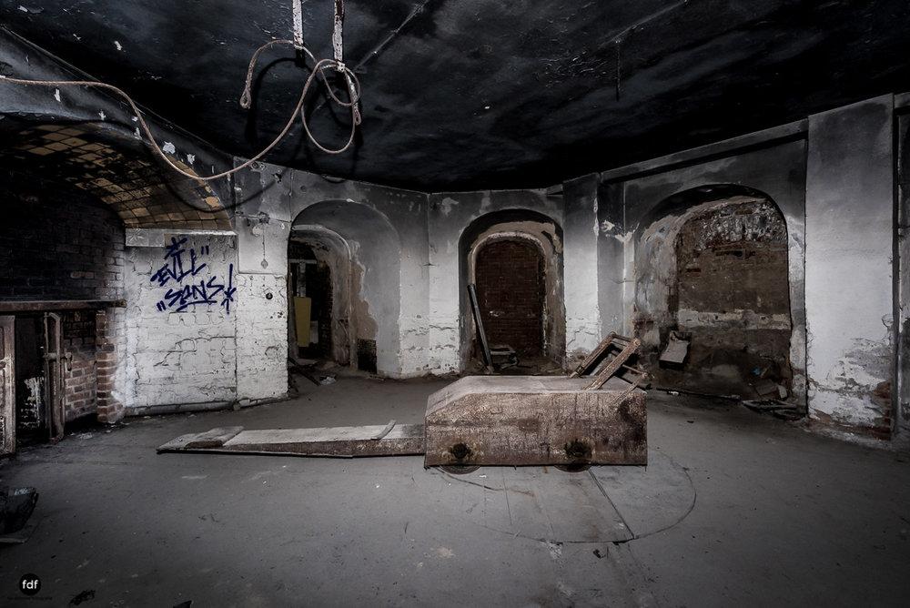 Krematorium D-Friedhof-Lost-Place-67.JPG