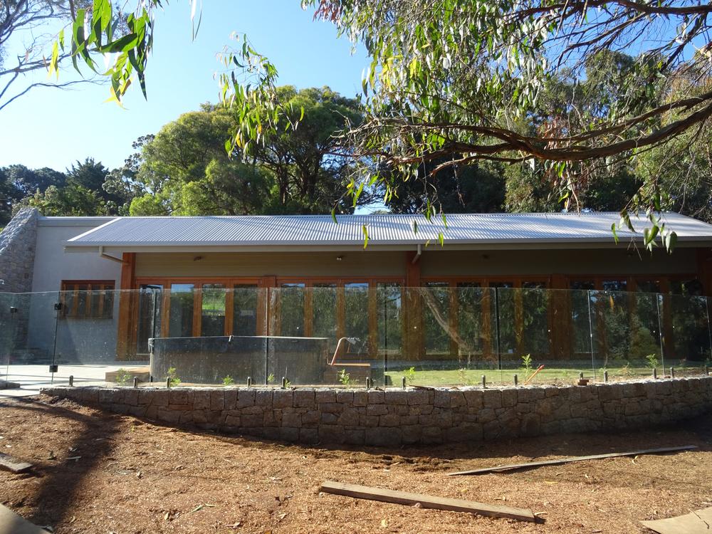 Pool_house2.jpg