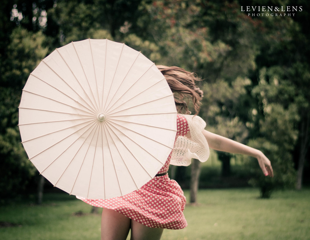 dance with umbrella