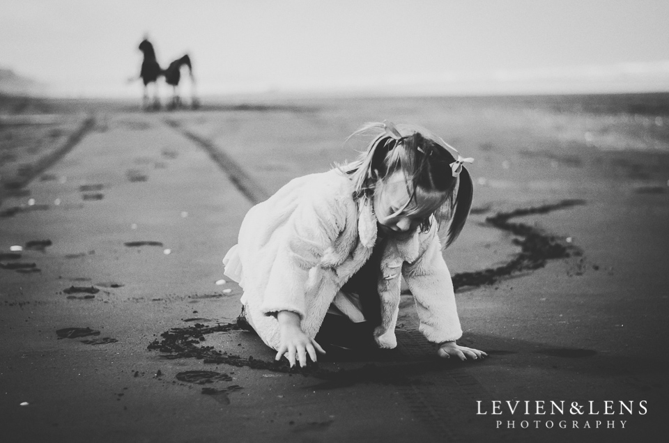 West costal beach Family photographs {Auckland NZ lifestyle family photographer}