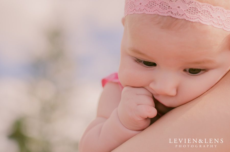 5 month Baby-girl pictures {Auckland-Hamilton newborn lifestyle photography}