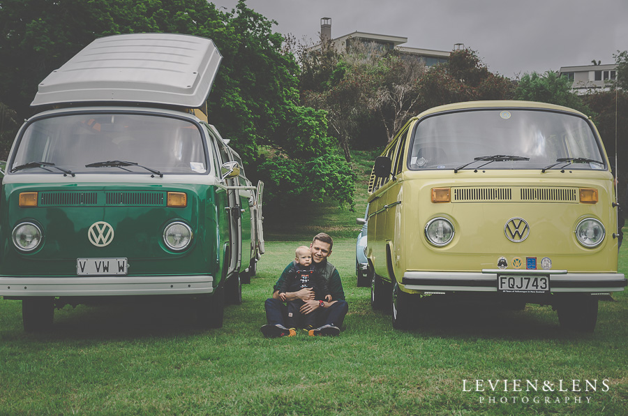 retro cars family pictures {Auckland-Hamilton lifestyle photographer}