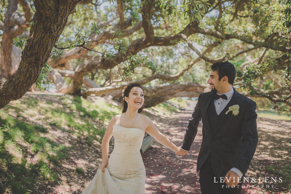 bride groom walking on alley Parnell on the Rose Garden {Auckland lifestyle wedding photographer}