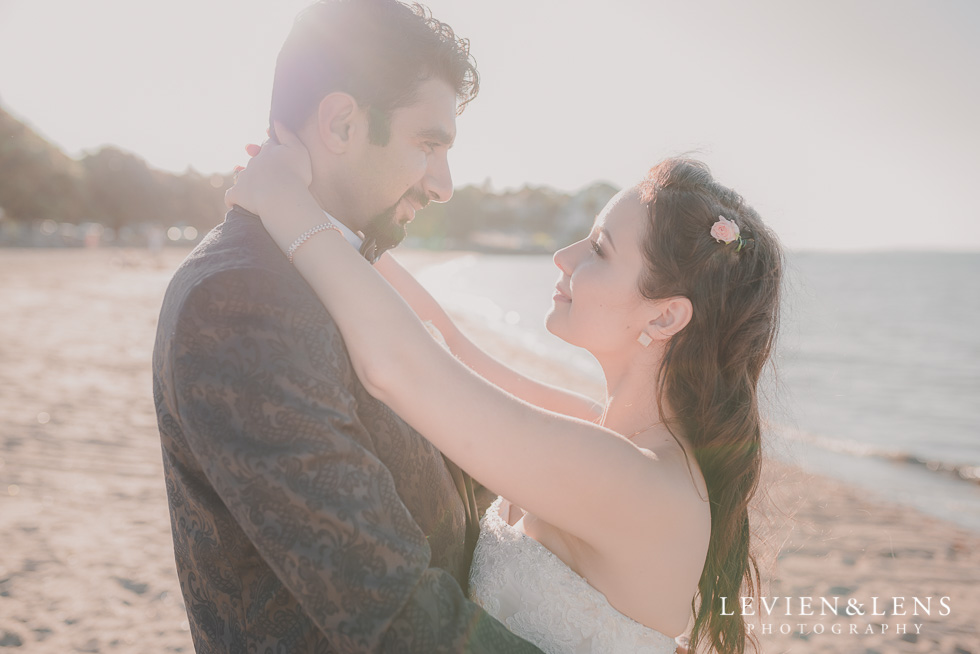 couples beach photo shoot St Heliers beach {Auckland-Hamilton-Tauranga wedding photographer}