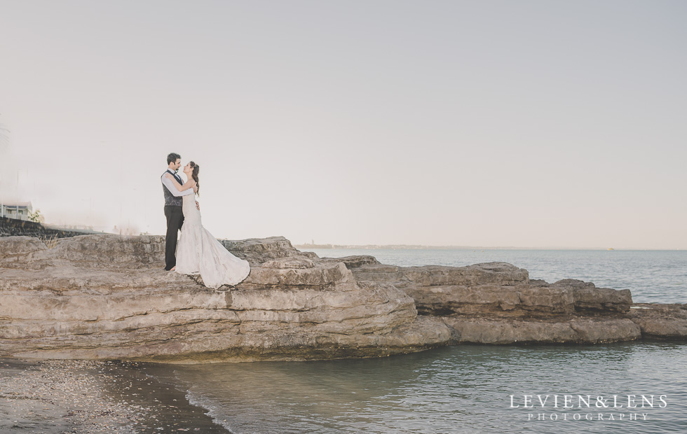 stunning couple St Heliers beach {Auckland-Hamilton-Tauranga wedding photographer}
