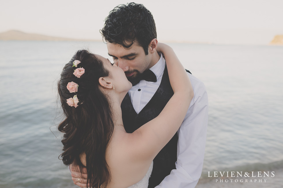 bride groom at seaside St Heliers beach {Auckland-Hamilton-Tauranga wedding photographer}