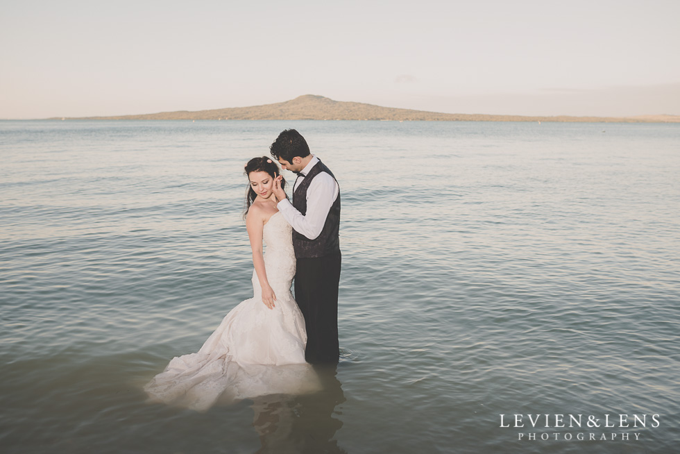 trash the dress bride and groom in water St Heliers beach {Auckland-Hamilton-Tauranga wedding photographer}