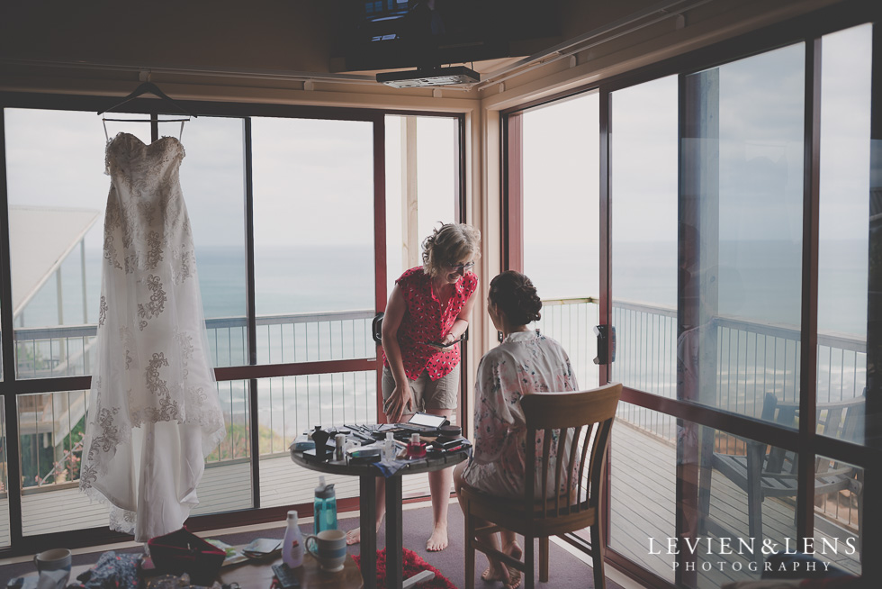 getting ready Castaways {Auckland lifestyle couples-engagement photographer}