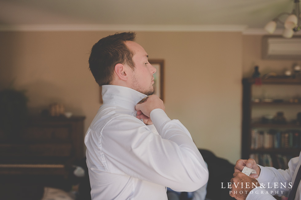 groom getting ready {Auckland-Hamilton-Tauranga wedding photographer}