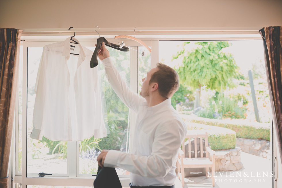 groom getting ready {Tauranga-Bay of Plenty wedding-couples-engagement photographer}