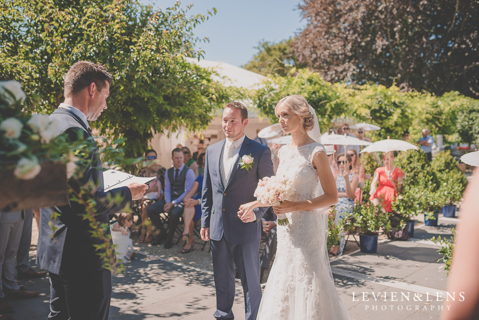bride and groom ceremony {Tauranga-Bay of Plenty wedding-couples-engagement photographer}