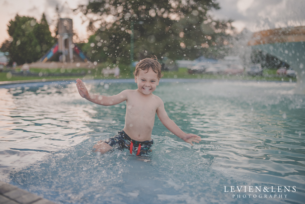 splash boy in fountain {Auckland-Hamilton-Tauranga lifestyle kids photographer}