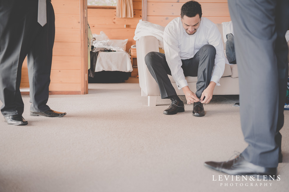 groom getting ready Waitakere Estate {Auckland wedding photographer}