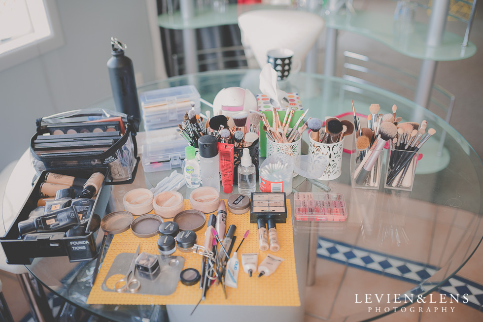 makeup bride getting ready Kaurilands Estate {Auckland wedding photographer}