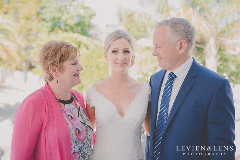 bride with parents bride getting ready Kaurilands Estate {Auckland wedding photographer}