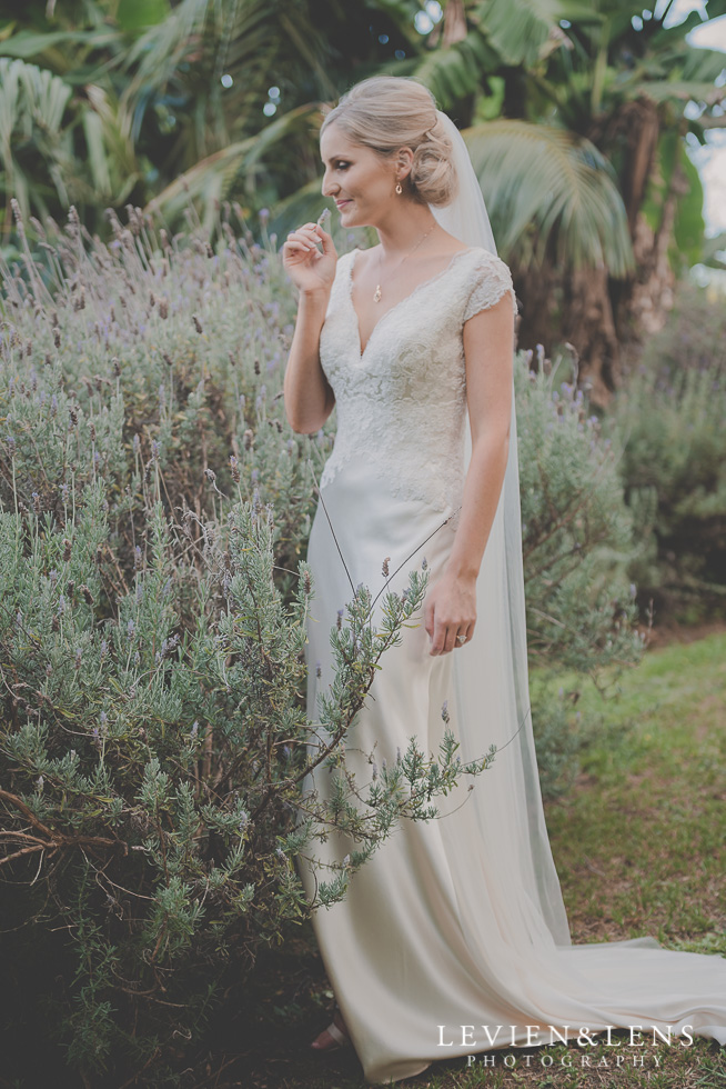 bridal portraiture Landscendt Tropical Garden {Auckland wedding photographer}