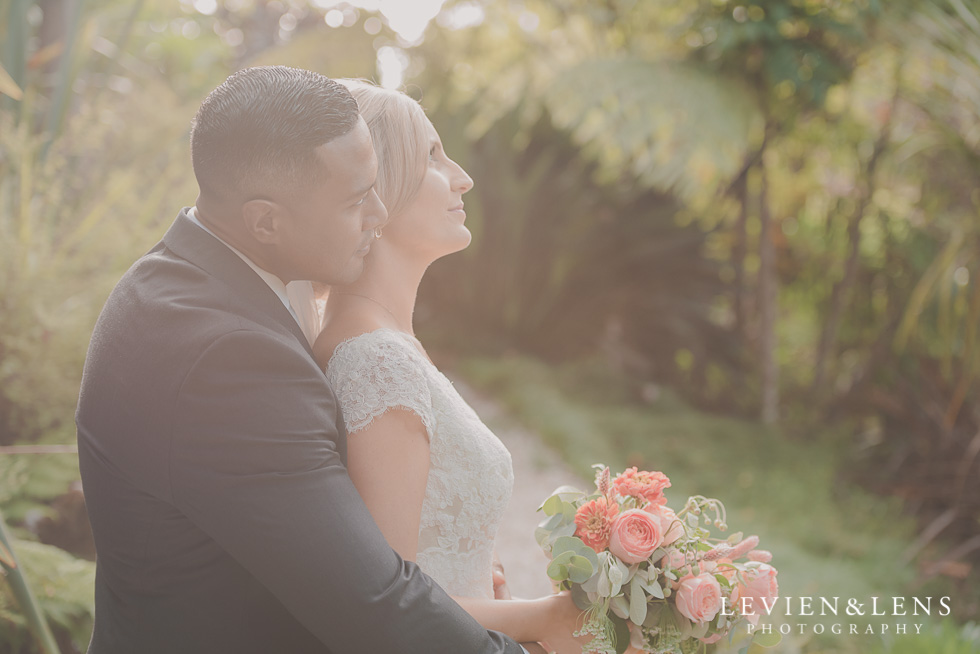 bride and groom intimate moments light Landscendt Tropical Garden {Auckland wedding photographer}