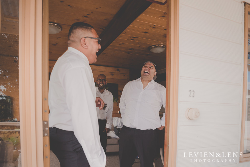 groomsmen getting ready Waitakere Estate {AUckland-Hamilton-Tauranga wedding photographer}