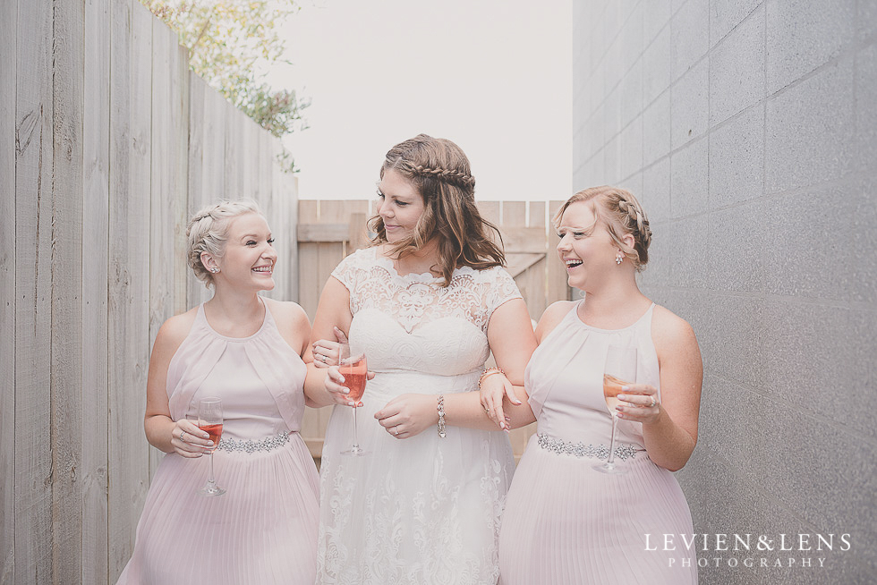 bride with bridesmaids {Northland-Auckland-Waikato wedding photographer}