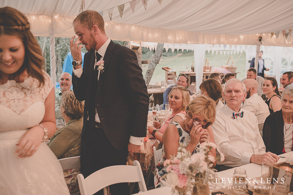 emotional candid moments reception {Auckland-Hamilton-Tauranga wedding photographer}