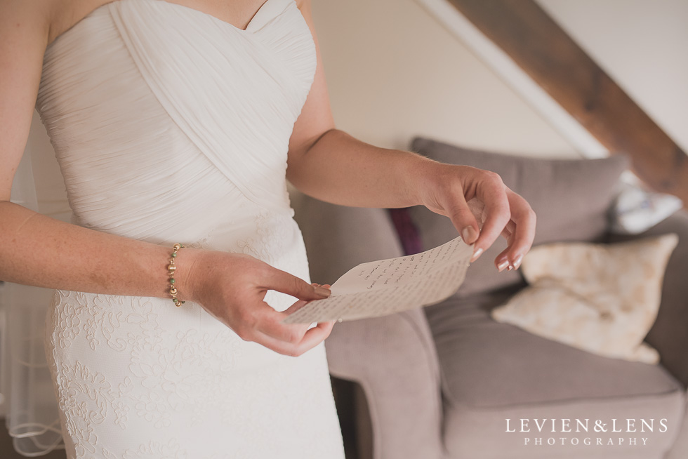 bride reading vows Brigham - Herald Island {Auckland lifestyle wedding photographer}