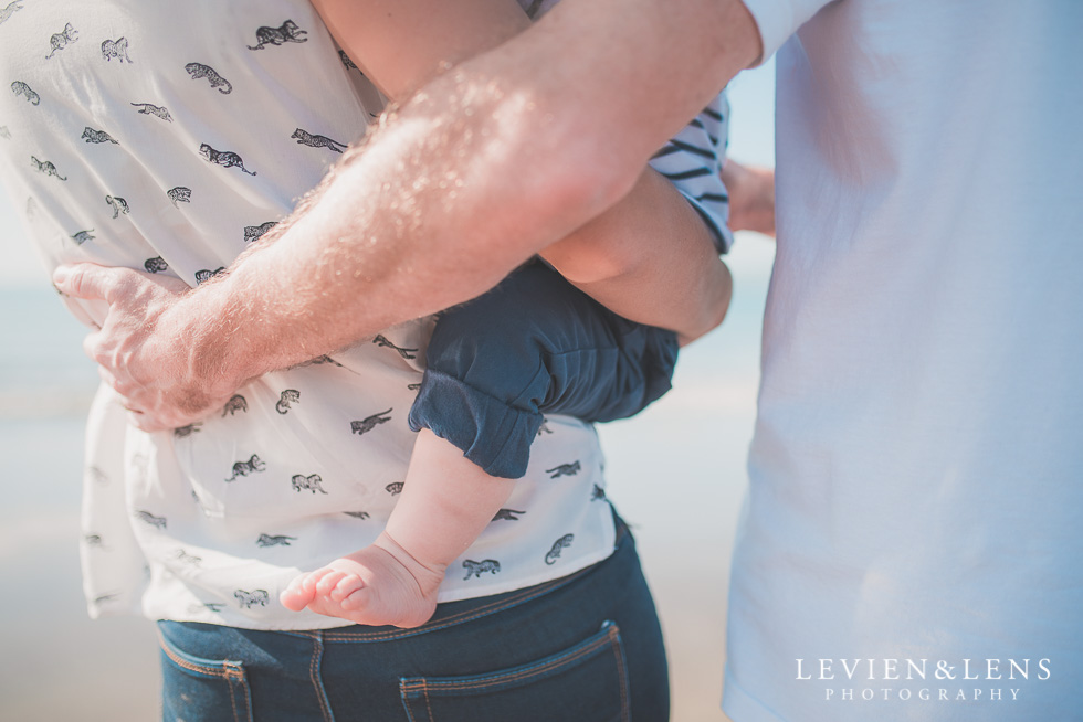 details foot Milford Beach family session {Auckland lifestyle photographer}
