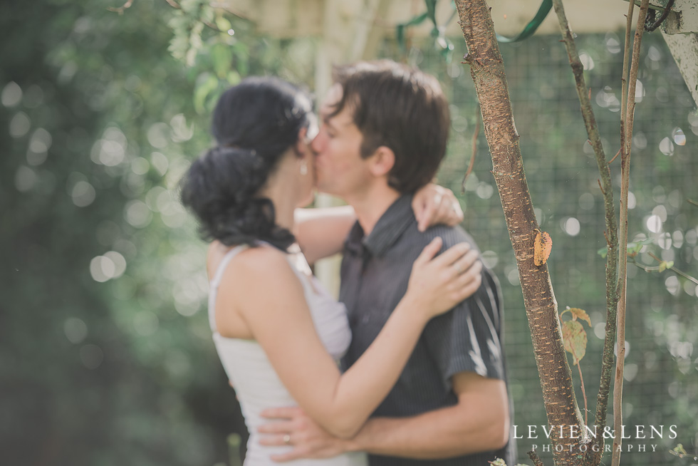 outside in-home lifestyle couples session {Auckland wedding-engagement photographer}