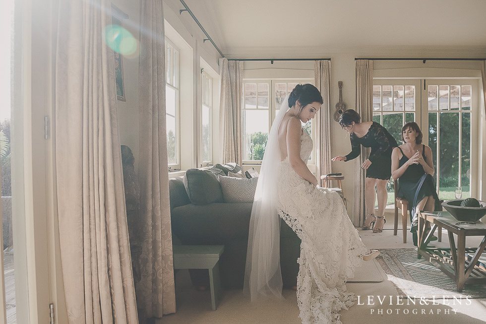 bride getting ready St Margarets Cafe - Karaka {Auckland lifestyle wedding photographer}