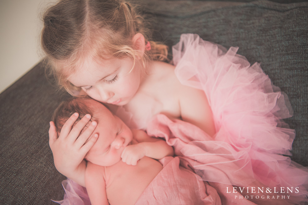 new baby girl {Auckland lifestyle newborn-family-kids photographer}