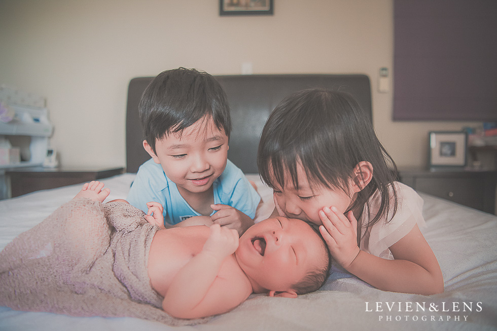 kids on bed - in home session {Hamilton NZ lifestyle family-newborn-kids photographer}