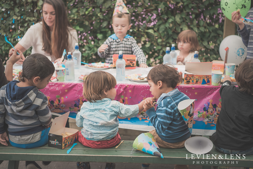 Rainbows End birthday party {Auckland lifestyle event-family-kids photographer}