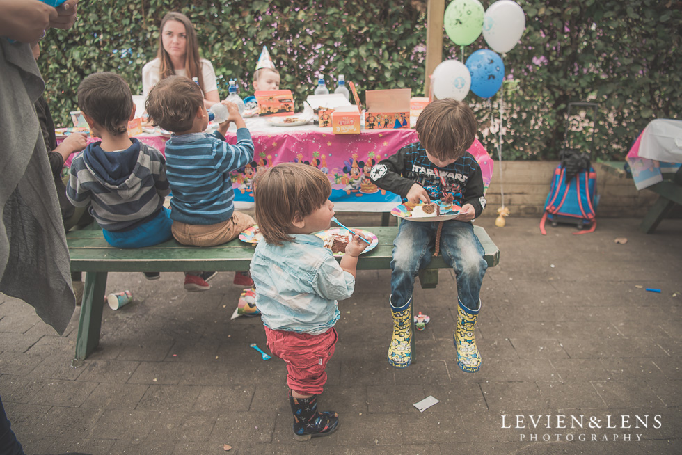 boys - Rainbows End birthday party {Auckland lifestyle event-family-kids photographer}