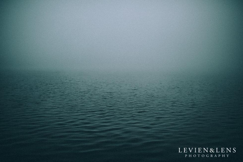 Fog at lake {New Zealand lifestyle wedding photographer}