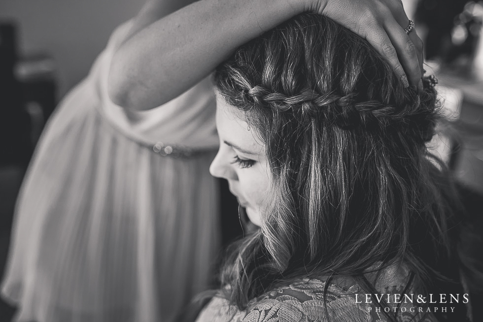 bride getting ready - best wedding photos {Northland-New Zealand couples photographer}