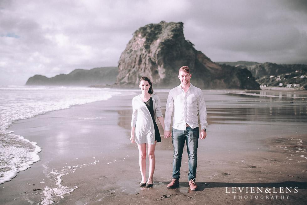 Piha beach couples photo shoot auckland wedding engagement photographer nz
