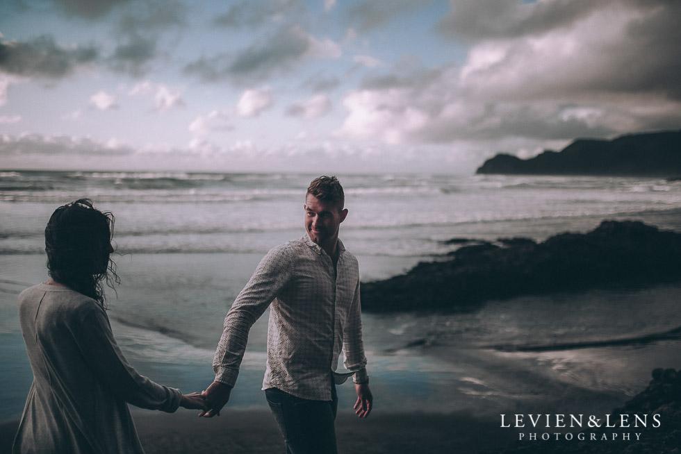 follow me - Piha Beach couples photo shoot {Auckland wedding-engagement photographer NZ}