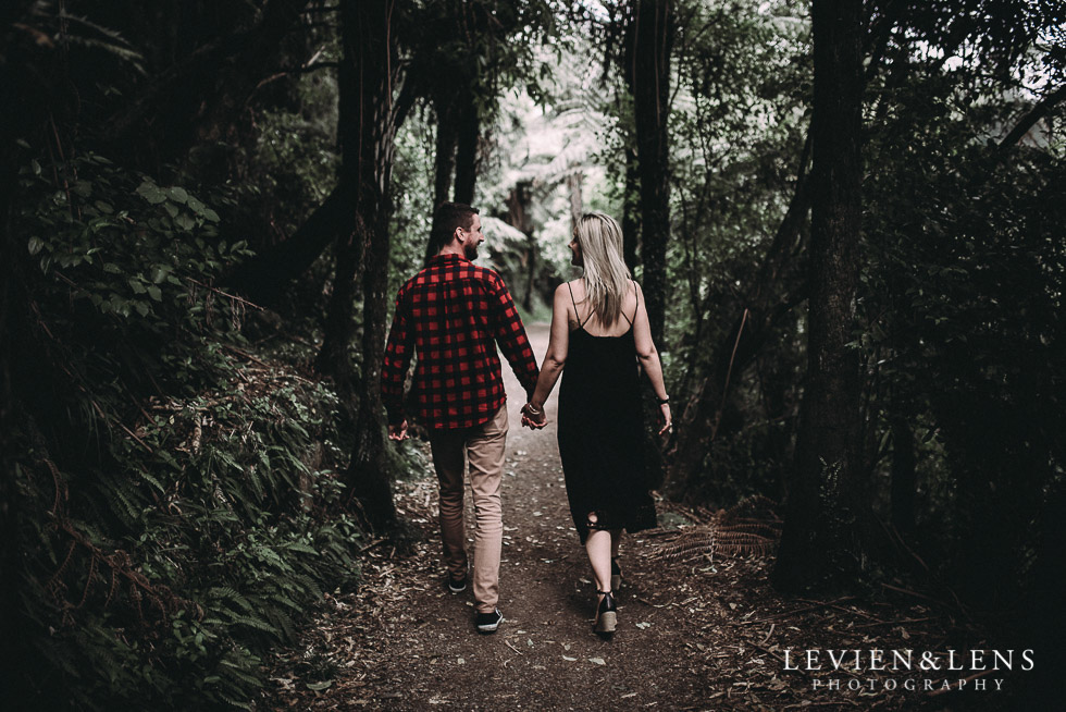 Karangahake George engagement | couples photo shoot {Auckland-Waikato wedding photographer} walking