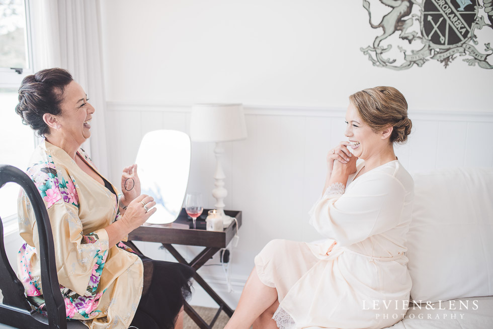 bride with her mum getting ready - The Duke of Marlborough Hotel - Russell wedding {Northland-New Zealand weddings photographer}